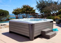 Hot Spring-Highlife-2014-Grandee-NXT-Ice Gray-Monteray Gray-Lifestyle-Spa Alone-02