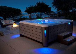 Hot Spring-Highlife-2014-Grandee-NXT-Ice Gray-Monteray Gray-Lifestyle-SpaAlone-01