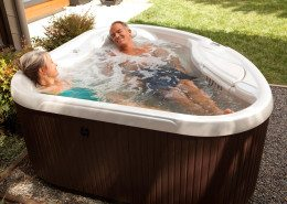 Hot Spring-Hot Spot-2013-TX-Pearl-Espresso-Lifestyle-Older Couple-04